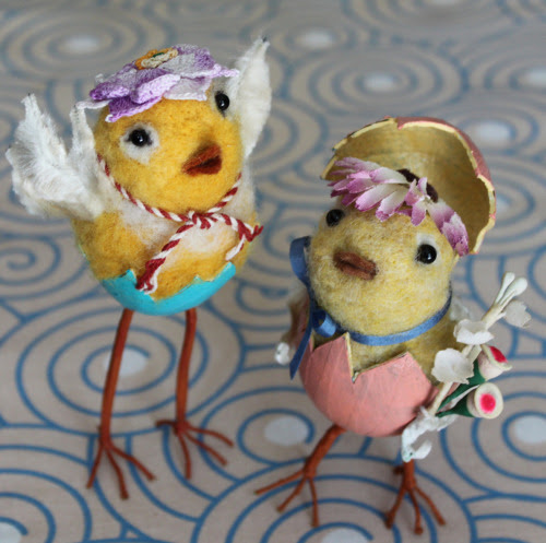 How cute are these curious little girlie birds? I think they are sharing some silly stories. I love Pat's needle felted pieces, especially her birds as she could be the president of the Audubon Society, because she has such a kinship with her little winged friends.