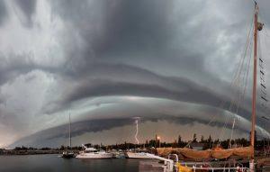 wall cloud storm (1)