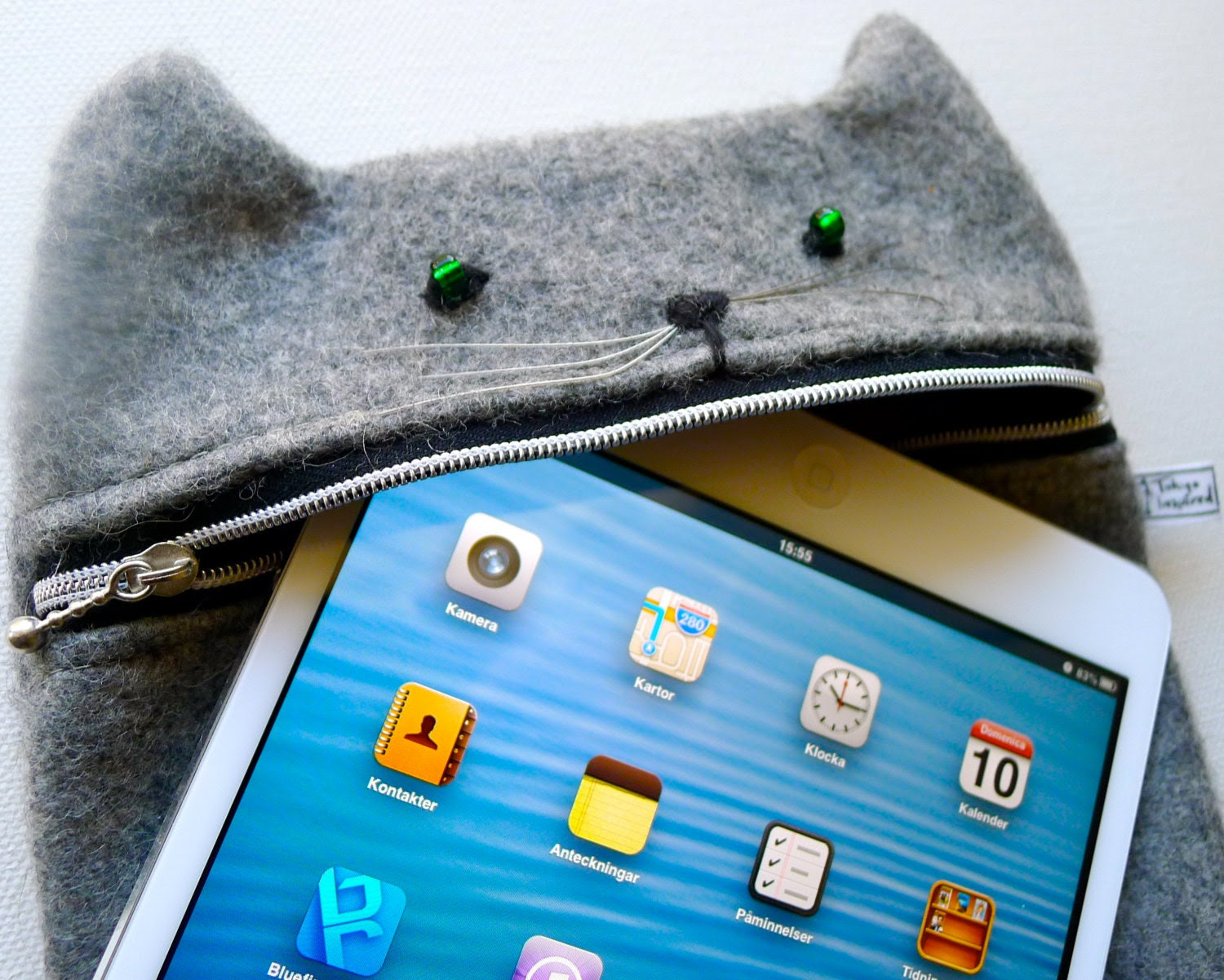 iPad mini case / Kindle Fire HD case, wool Grey hungry cat - Tokyoinspired