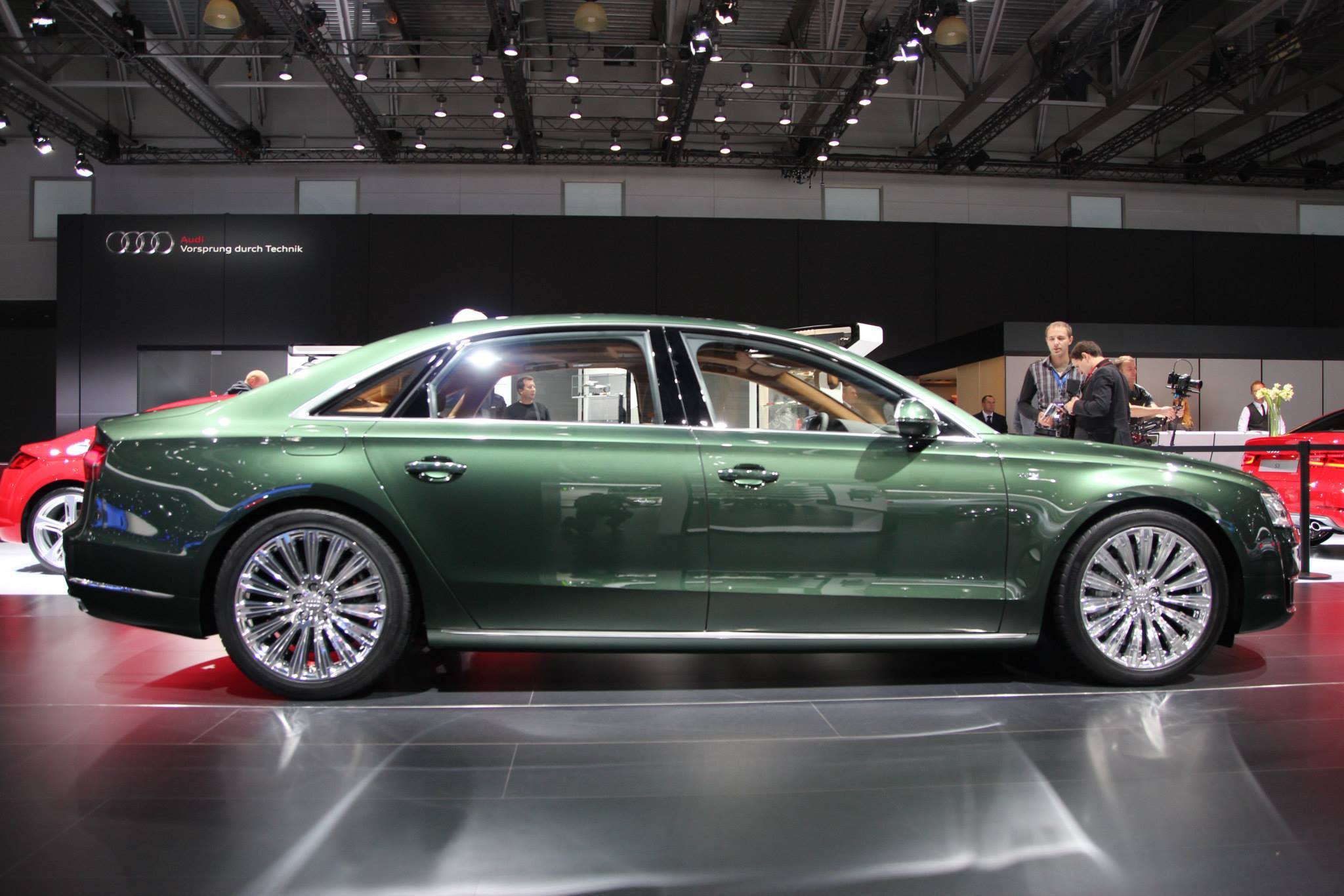 Audi A8L W12 in Verdant Green Pearl Has Jaguar Looks - autoevolution