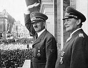 Adolf Hiter e Hermann Göring (Afp)