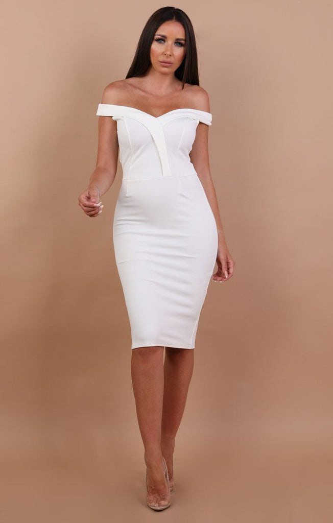 Black bodycon dress ruched