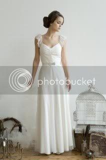 Friday Fixation: The Beautiful Dresses of Elizabeth Dye