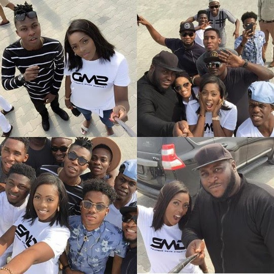 Mavin Crew Members Pose For Selfies Together [Photos]