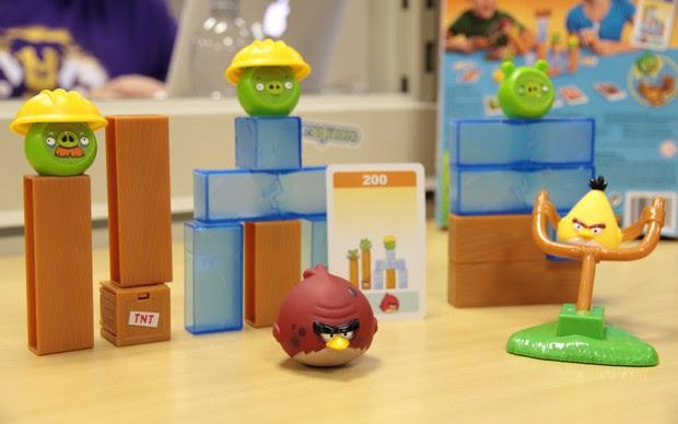 Angry Birds No Gelo permite ao jogador montar a estrutura do castelo como quiser (Foto: TechTudo)