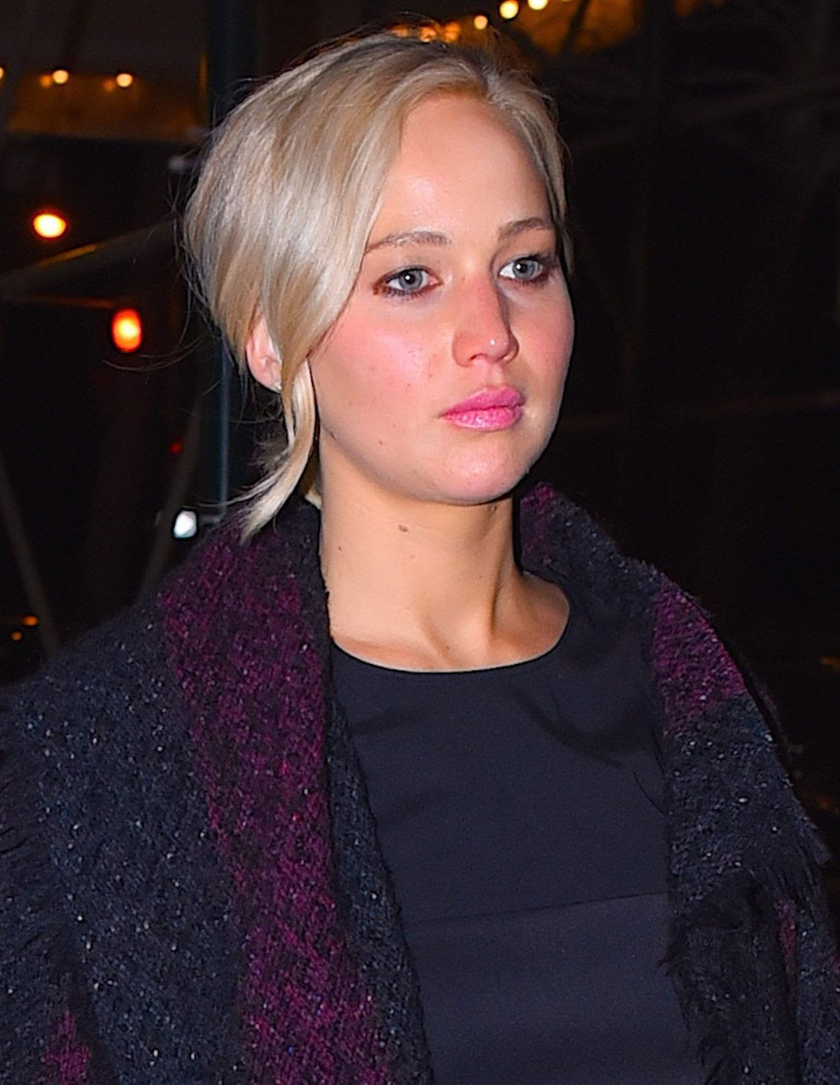JENNIFER LAWRENCE Out in New York 03/20/2016
