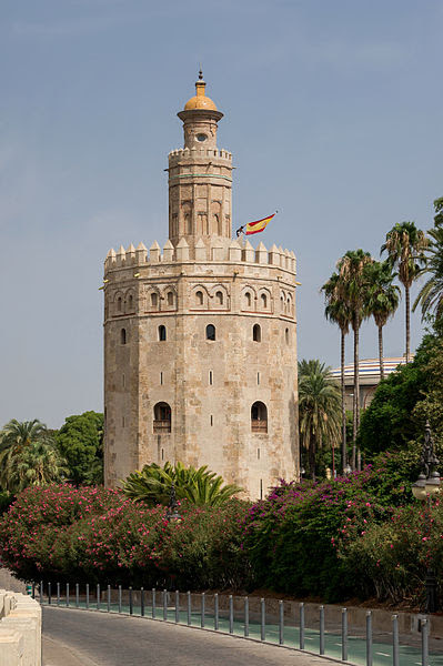 Archivo: Torre del Oro. Sevilla bandera Spain.jpg