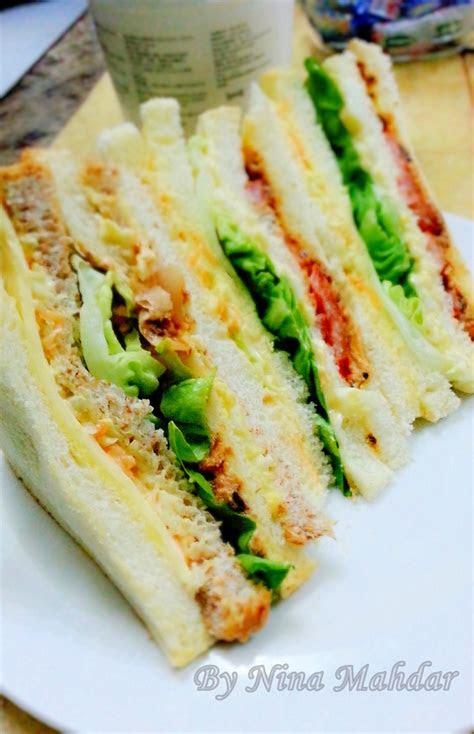 nina mahdar sandwich sardin telur