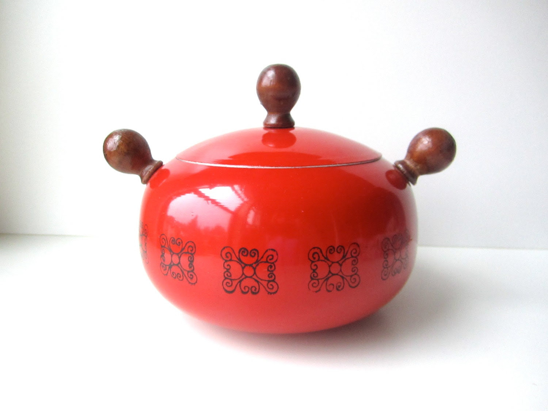 Mod Bright Red Orb Shaped Fondue Pot