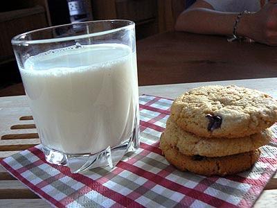 verre de lait et cookies.jpg