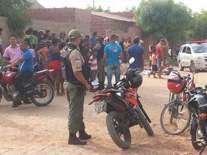Homicídio no bairro Cohab 6 em Petrolina (Foto: Jadir Souza/TV Grande Rio)