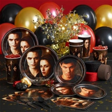 30 Days of New Moon: Twilight Saga Party Guide