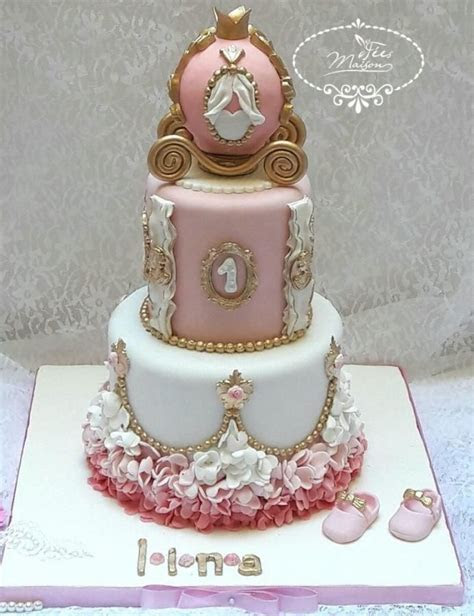 Princess Carriage Cake by Fées Maison (AHMADI)   Cakes