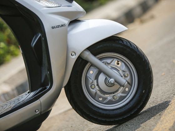 The new Suzuki Swish comes with telescopic front forks