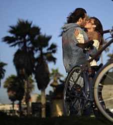 pareja-beso-vacaciones-reuters.jpg