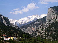 The mythical :en:Mount Olympus in northern Gre...