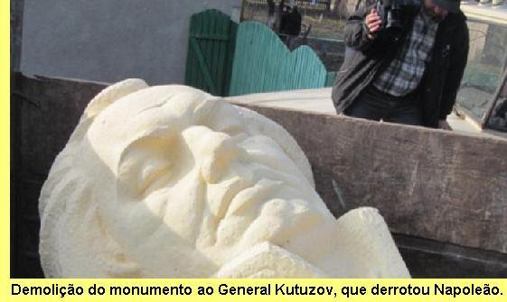 Demolição do monumento ao General Kutuzov.