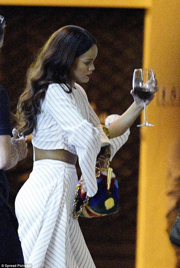 Feito: O incidente causou a cantora Diamonds para cancelar seu concerto no Estádio Allianz na sexta-feira como parte de seu Anti World Tour