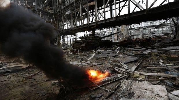 Во время боя в Донецком Аэропорту.  / facebook.com/sergei.loiko
