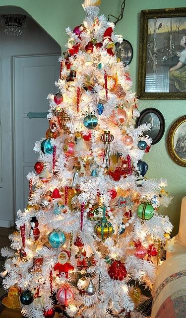 beautiful-vintage-christmas-trees-16