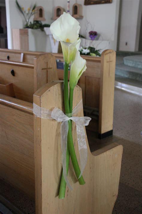 Calla Lily Pew Markers. /wedding ceremony   Wedding Ideas