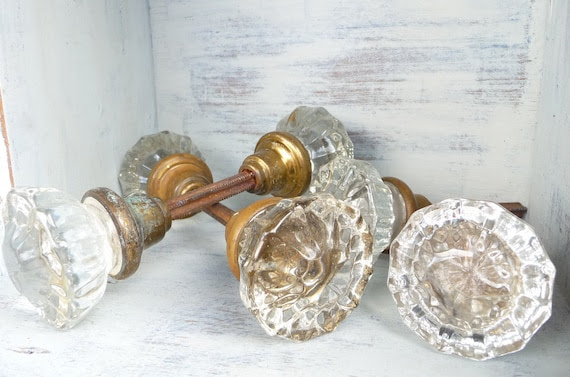 ON SALE Lots of Glass and Crystal Door Knobs