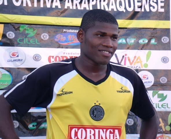 Lúcio Maranhão é o vice-artilheiro da Série B com 12 gols