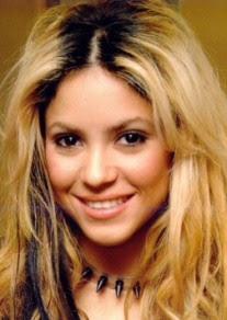 Hairwebde Trends Dark Roots Blondierte Haare Mit Dunklem