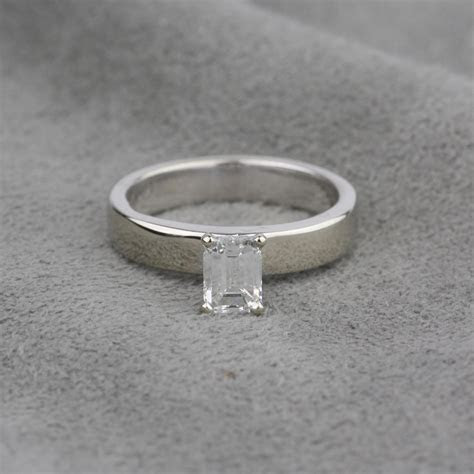 Pre Owned 14 Karat White Gold Diamond Engagement Ring