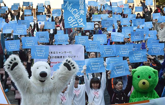 Marcha pelo clima em Tóquio, Japão, dias antes do início da conferência do clima em Paris