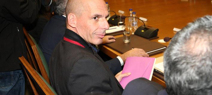 Ο Βαρουφάκης θα ζητήσει διεθνή διάσκεψη για το χρέος