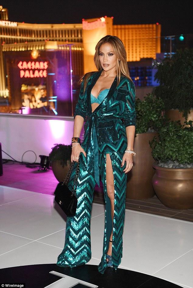 Fazendo seu grande retorno: A estrela de curvilíneo também vai voltar para sua All I Have show em Las Vegas Dezembro (retratado em Las Vegas em julho)