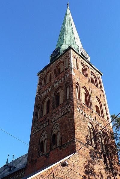 http://upload.wikimedia.org/wikipedia/commons/thumb/a/a0/Latvia_Riga_St.Jacob_church.jpg/400px-Latvia_Riga_St.Jacob_church.jpg