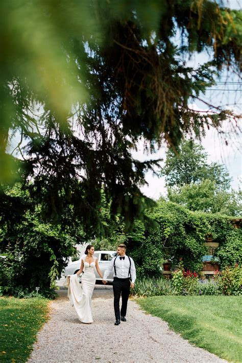 Bellvue Manor & Smoke Bombs   Purple Tree Wedding