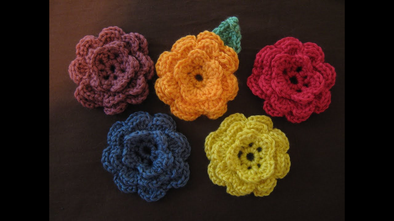 How to crochet a flower, part 1 - YouTube