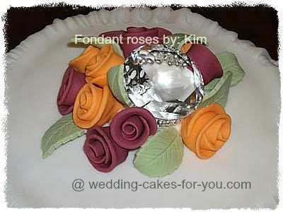 Make Spectacular Fondant Flowers And Exqusite Roses Easily
