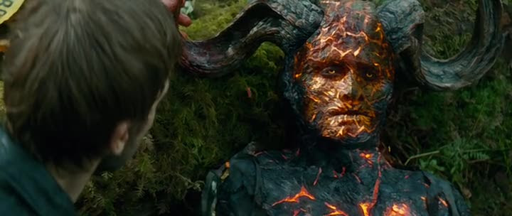 Screen Shot Of Horns (2013) English Movie 300MB Short Size PC Movie at downloadmovie365.blogspot.com