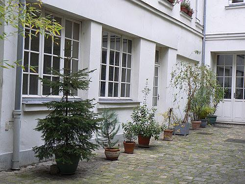 petite cour du Marais.jpg