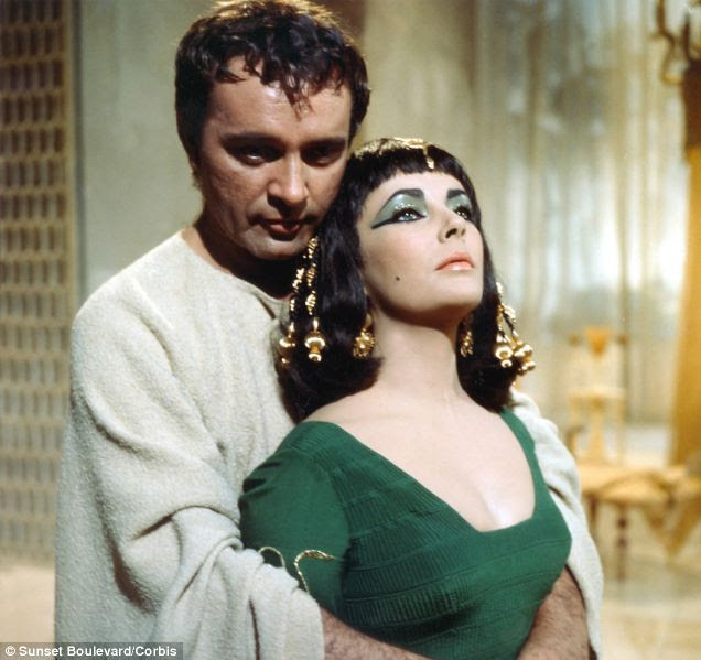 Richard Burton and Elizabeth Taylor on the set of 'Cleopatra' in1963