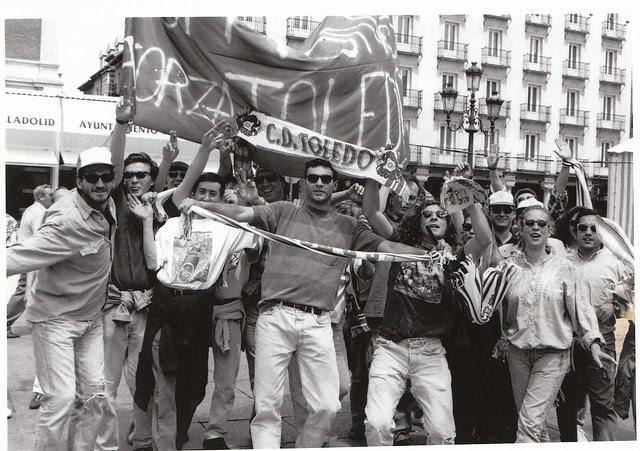 Algunos de los 8.000 aficionados del CD Toledo desplazados a Valladolid antes del partido de vuelta de la promoción de ascenso a Primera División Real Valladolid-CD Toledo  © Fotografía de Carlos Monroy