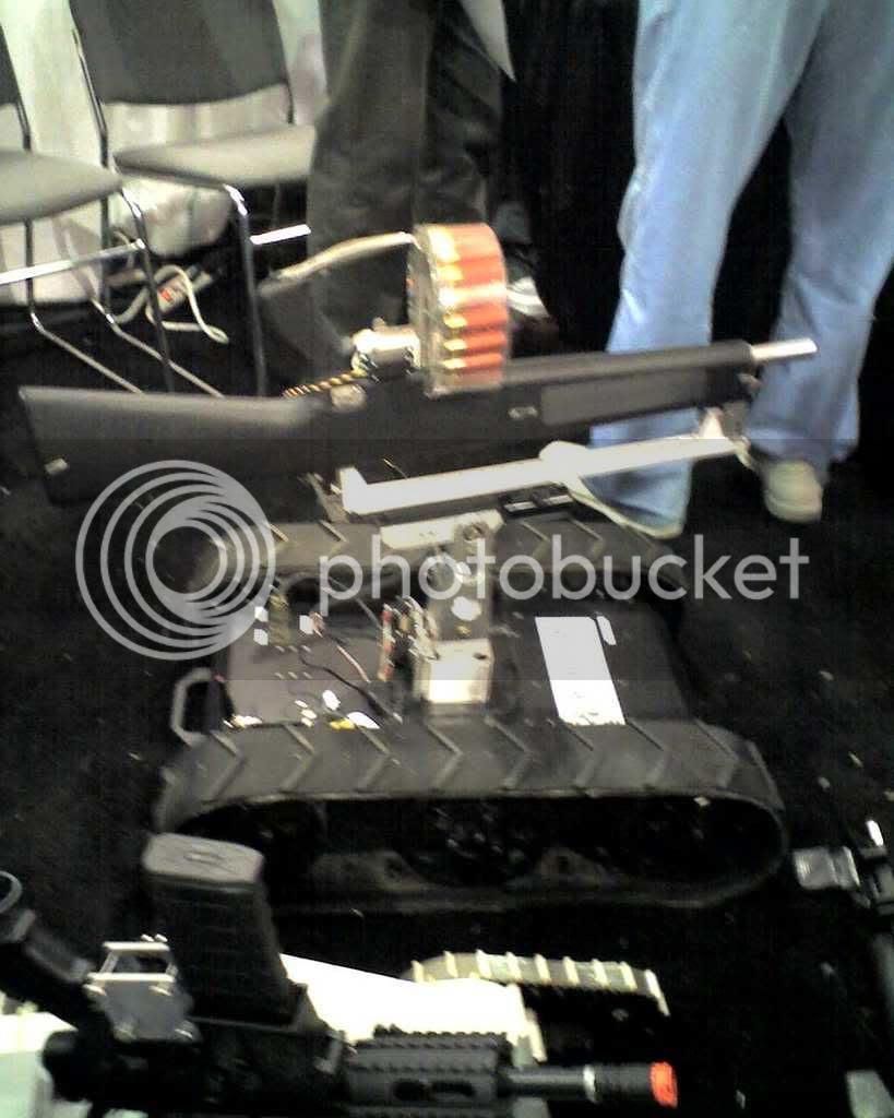 AA12 Shotgun on robot