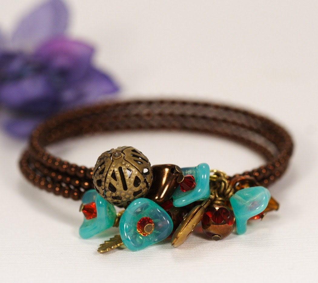 Vintage Style Green Floral and Bronze Posy Bracelet