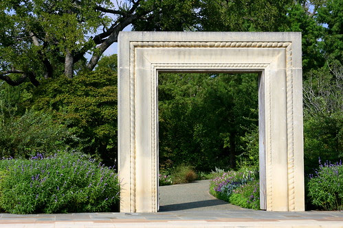 i want a freestanding arch in my garden