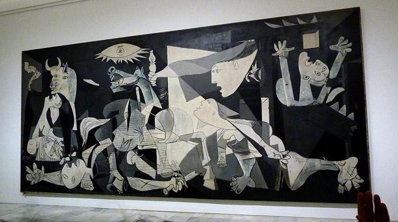 """""""Guernica"""", con este lienzo el artista condenó los bombardeos a la ciudad vasca de Guernica por parte de fuerzas nazis e italianas durante la guerra civil española (1936-1939)."""
