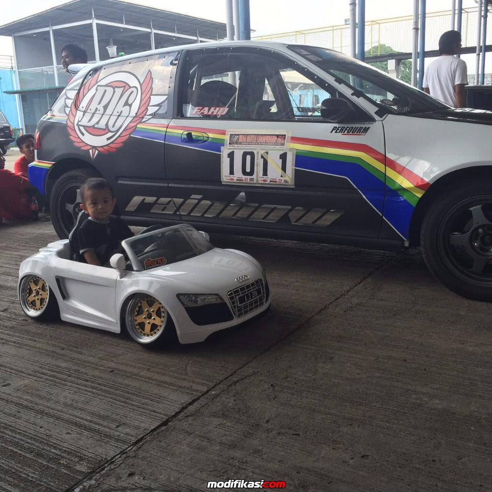 Audi R8 Spyder License Power Wheels
