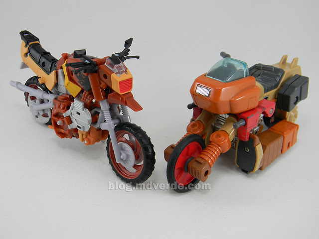 Transformers Wreck-Gar Reveal the Shield Deluxe - modo alterno vs G1