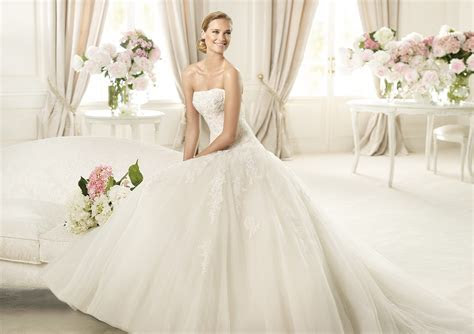 Pronovias Summer 2013 Wedding Dresses Collection