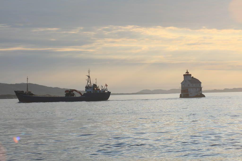 Skipstrafikk ved Stabben Fyr