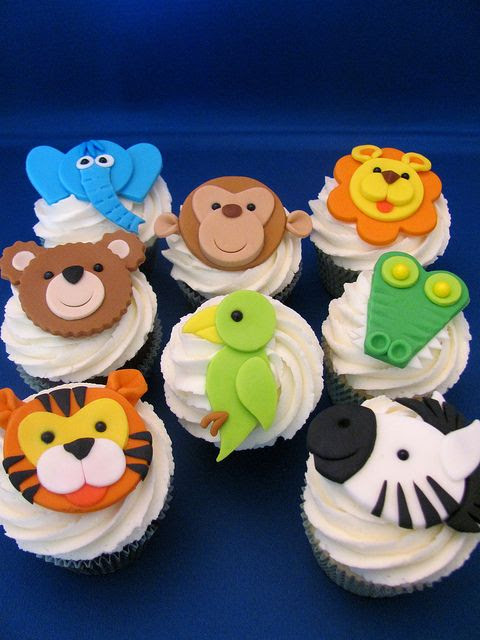 Cupcakes Take The Cake: Lions and tigers and bears--and elephants alligators and zebras and parrots, oh my!
