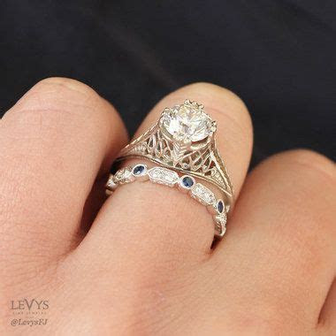 5 simple tips to pair vintage style engagement rings with